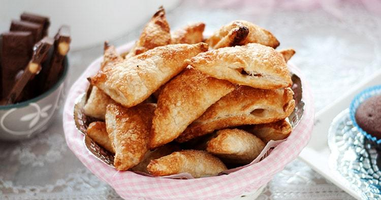 dish with delicious apple turnovers