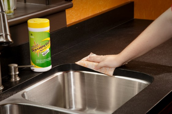 countertop-cleaning