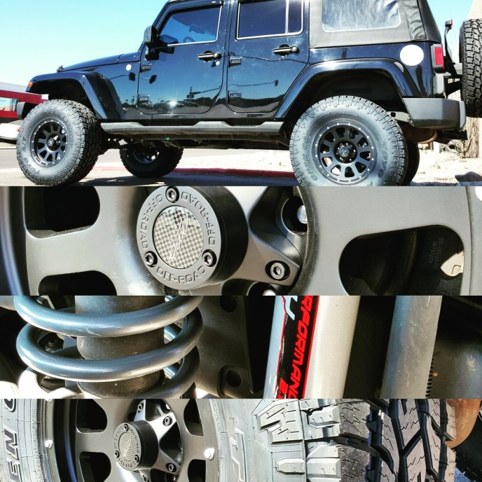 2007 JEEP WRANGLER UNLIMITED WITH A 4 ROUGH COUNTRY SUSPENSION LIFT KIT AND MB MOTORING 17X9 MATTE BLACK WHEELS WITH TOYO OPEN COUNTRY ATII 35X12.50R17 (4)