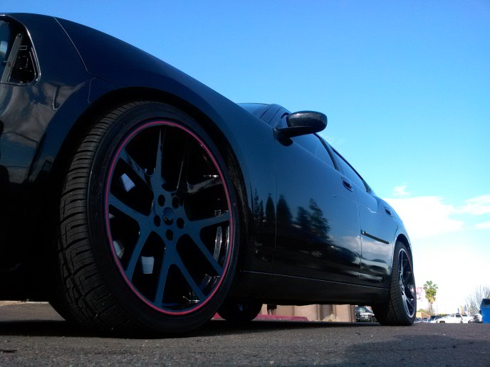 2008 DODGE CHARGER WITH 22 REPDUCTION WHEELS WITH EIBAC KIT AND FLOWMASTER EXHAUST (4)