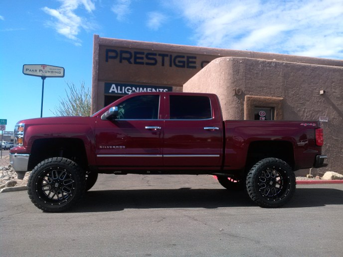 2014 CHEVY 1500 4X4 WITH ROUGH COUNTRY 7.5 LIFT KIT 22 XD 820 BLK AND MILD WITH TOYO OPEN COUNTRY MTS 35X22 (3)
