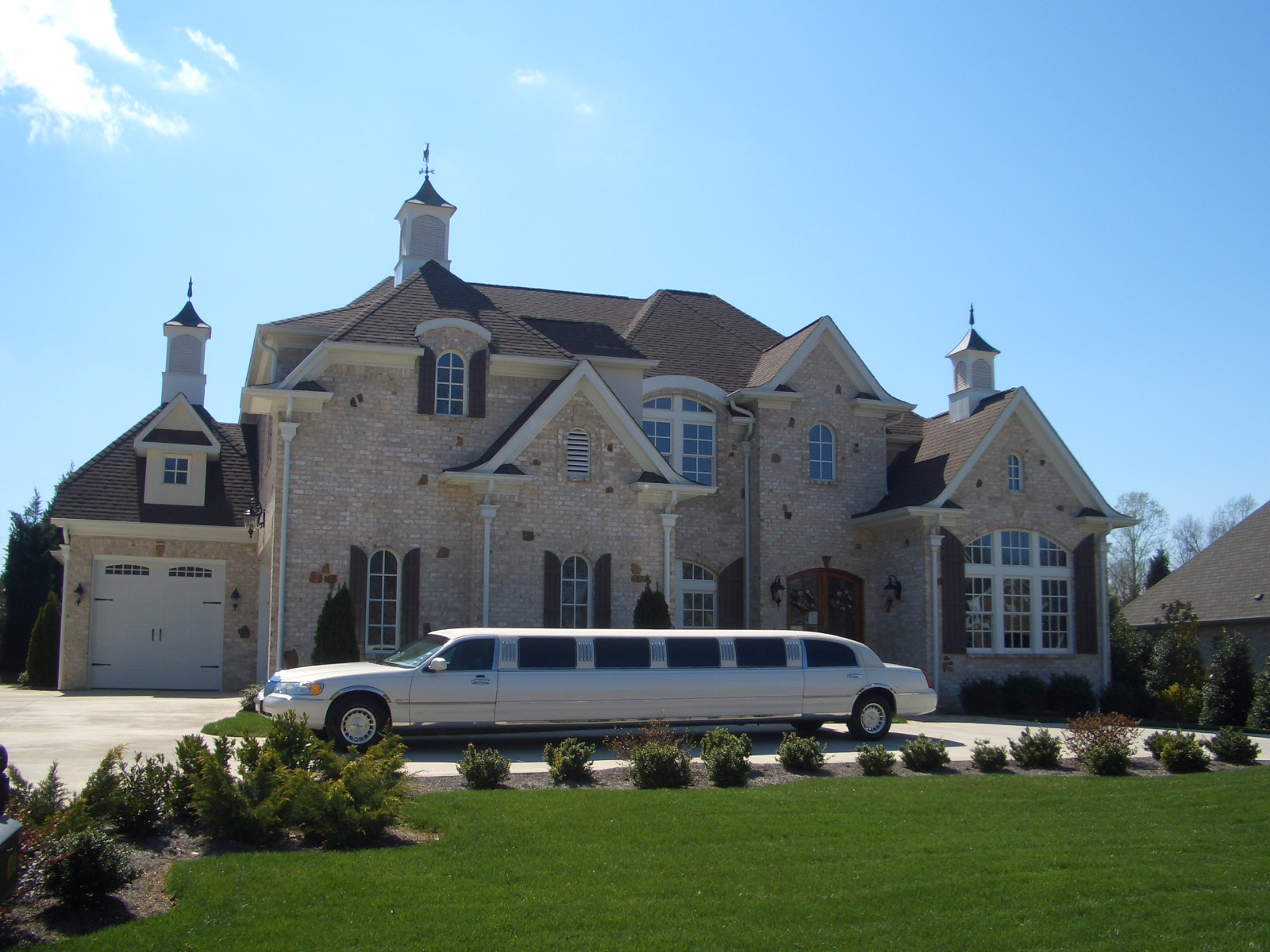 Our Fleet fort and style in our large luxury limousines