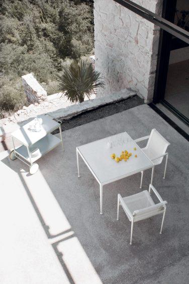 Mood-Design_KNOLL_Outdoor_Mood-Design_KNOLL_Outdoor_Mood-Design_Schultz_chair_table_ph Ezio Prandini
