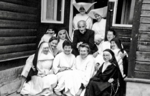 ks. Zieja z siostrami - archiwum