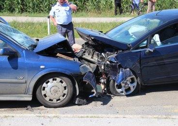 Osem obvestil o prometnih nesrečah