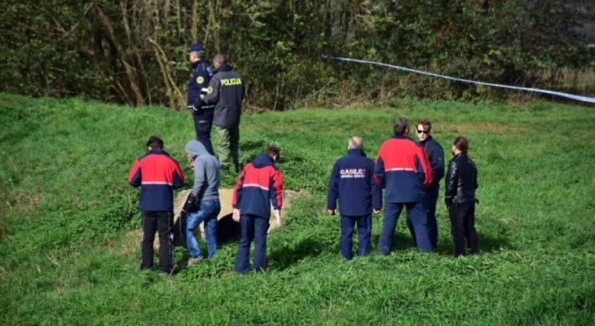 Občan v Škocjanskem zatoku v vodi opazil truplo