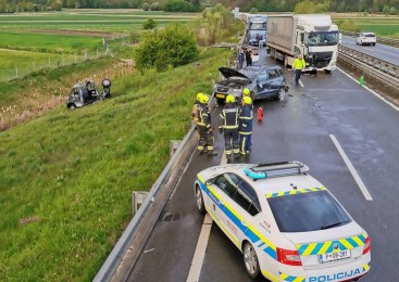V včerajšnji tragični prometni nesreči na avtocesti umrl 51-voznik tovornega vozila