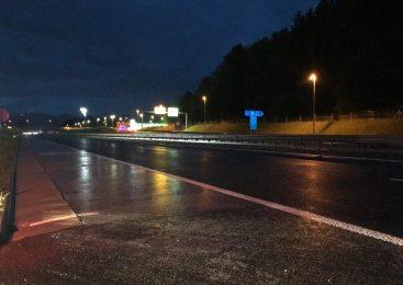 Pod vplivom alkohola vozil v napačno smer avtoceste