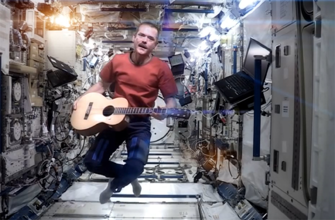 chris-hadfield-01-131210