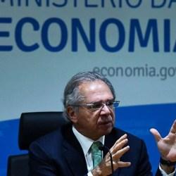 Aposentadorias e revisão de salários são 50% dos precatórios que Guedes quer parcelar