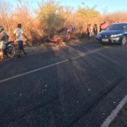 Acidente mata pai, mãe e três filhos, em São Raimundo Nonato, Piauí