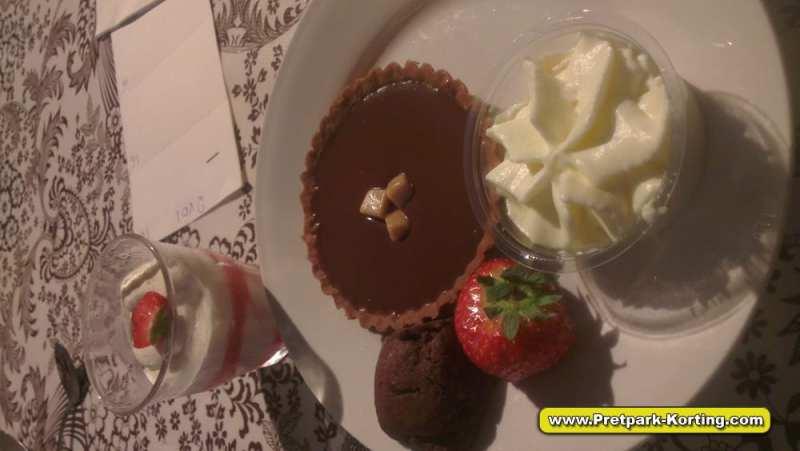 Vakantiepark Duinrell - La Place restaurant toetje - Pretpark-Korting.com
