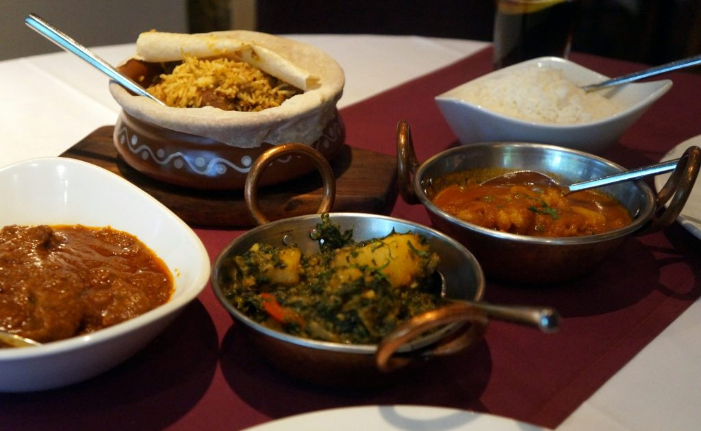 Gosth Jafrani - Lamb curry cooked with onion,tomatoes,garam masala and fresh green herbs. - Anarkali Restaurant