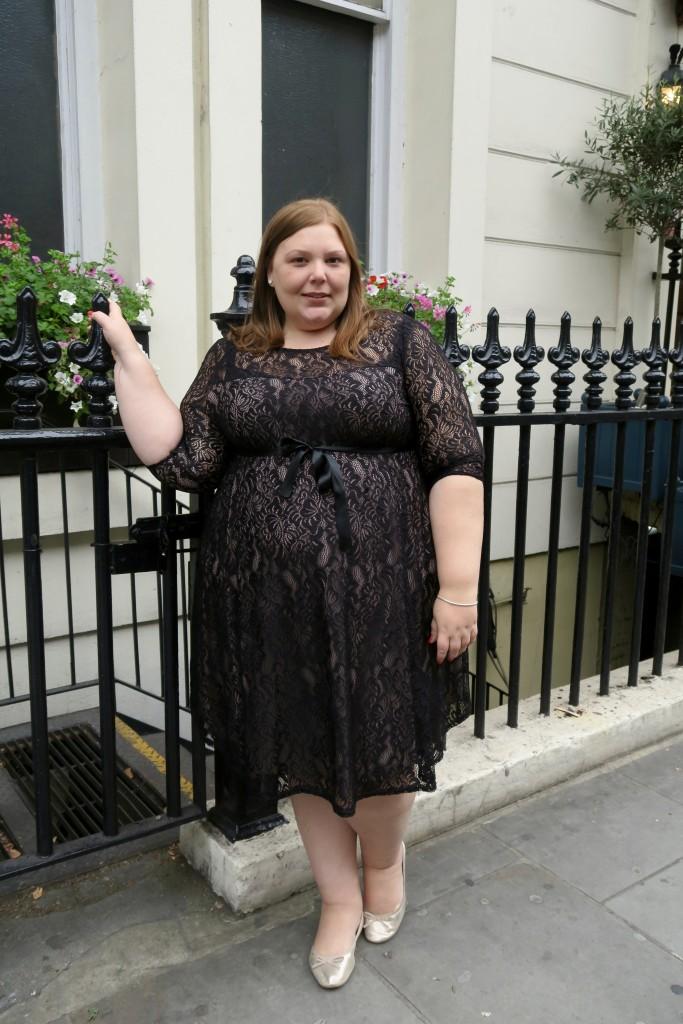plus size fashion blogger - uk - pregnant - mummy blogger