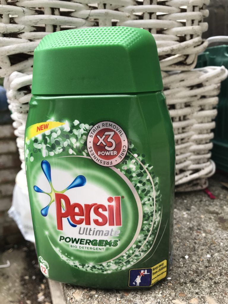 Review: Persil Powergems - pretty big butterflies