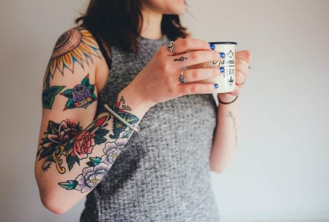 Zichtbare tatoeages in de zorg