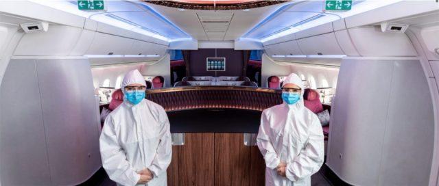 Stewardessenuniformen worden ingeruild voor beschermde pakken