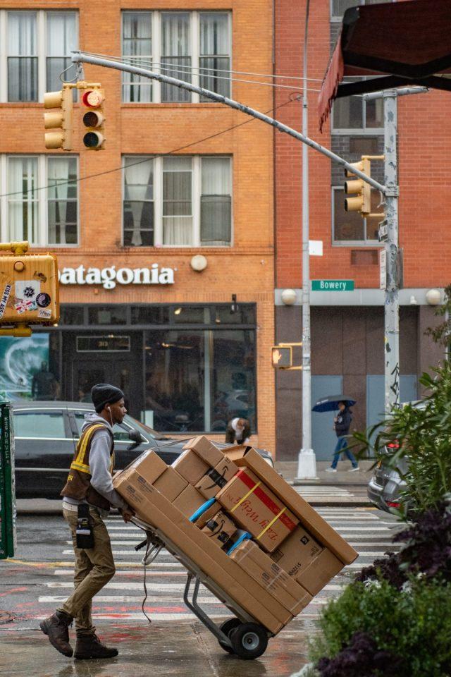 UPS schrapt baardverbod en discriminerende kledingvoorschriften