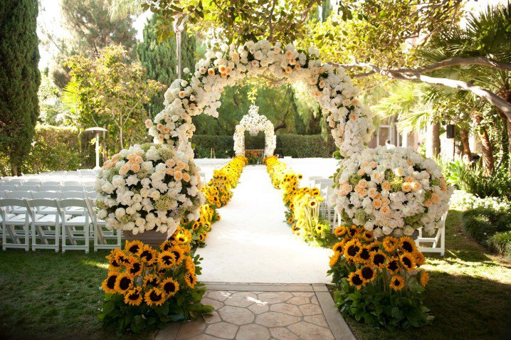 Pretty Outdoor Wedding Ideas For Spring