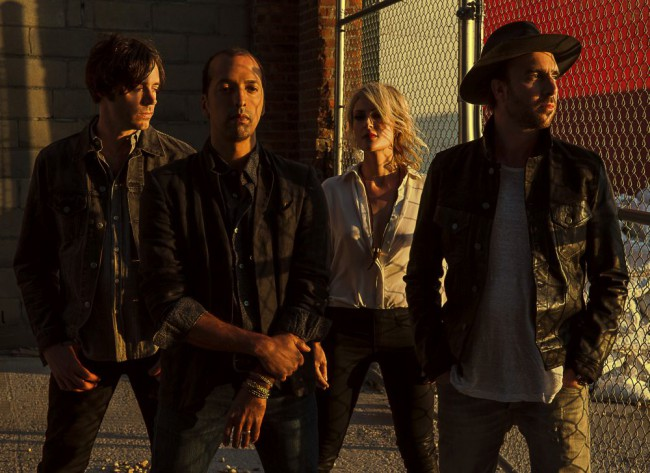 Metric: Neues Album, bandeigene App und Tour