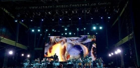 BERICHT: Spandau brennt - BJÖRK in Concert