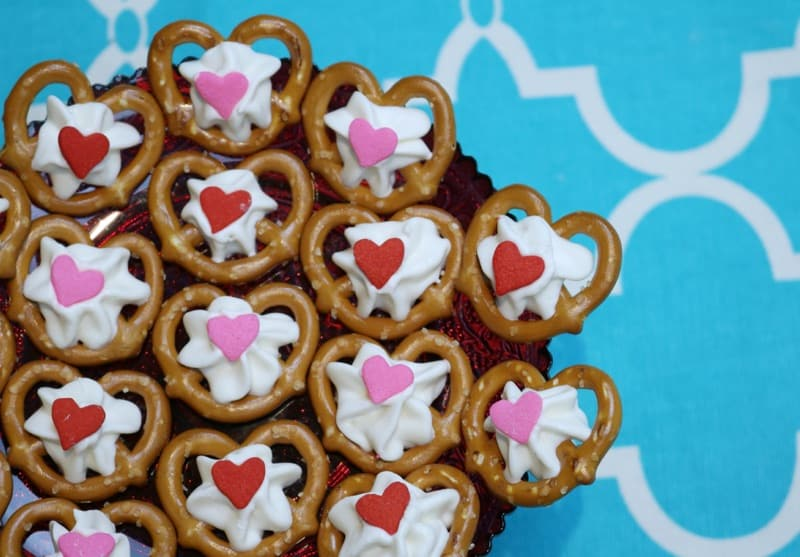 Chocolate Covered Pretzels (for Valentine's Day)