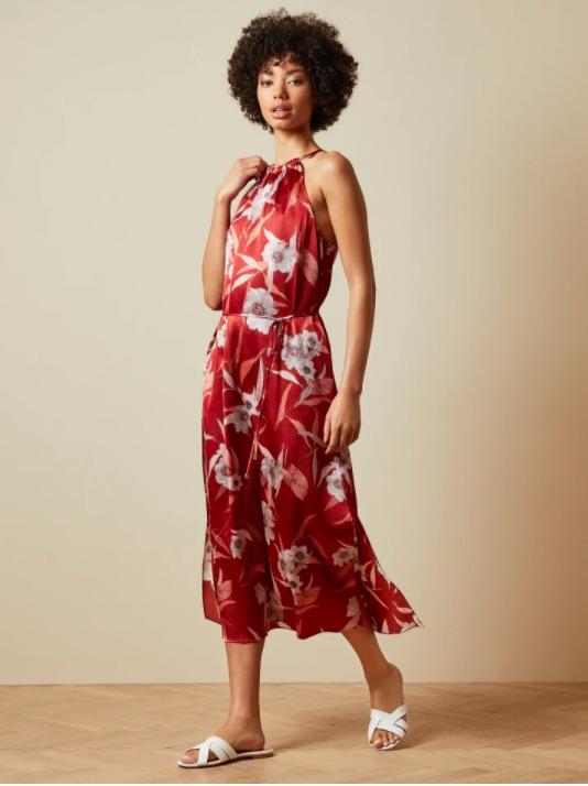 červene kvetinove dlhe šaty bez rukávov