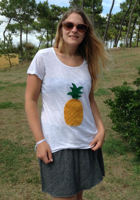 T-shirt ananas DIY, Jupe American Vintage, Lunettes Rayban