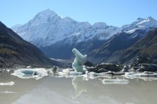 Iceberg statue with Mt. Cook