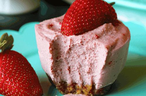 Mini Strawberry Cheesecakes (Vegan, Paleo) PrettyPies.com