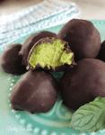 Mint Chocolate Cream Truffles | PrettyPies.com