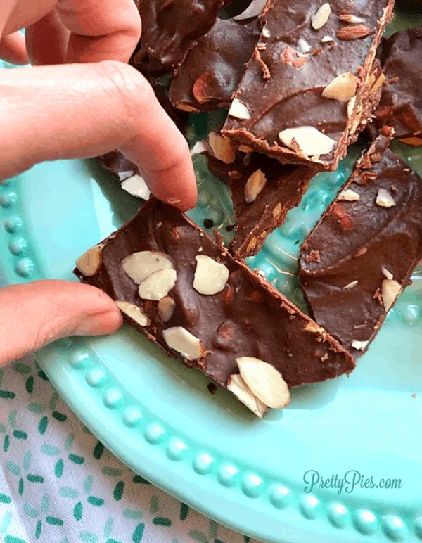 Chocolate Almond Bark (keto/vegan/paleo) PrettyPies.com
