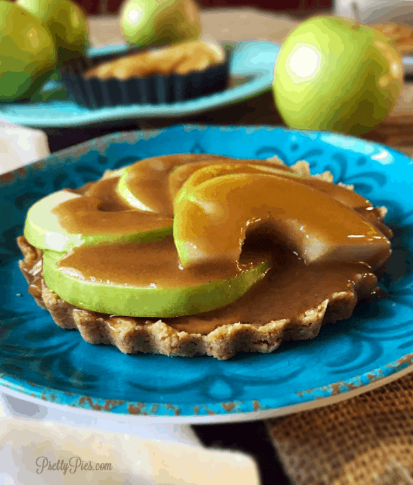 Caramel Apple Tart {Paleo & Vegan} - PrettyPIes.com