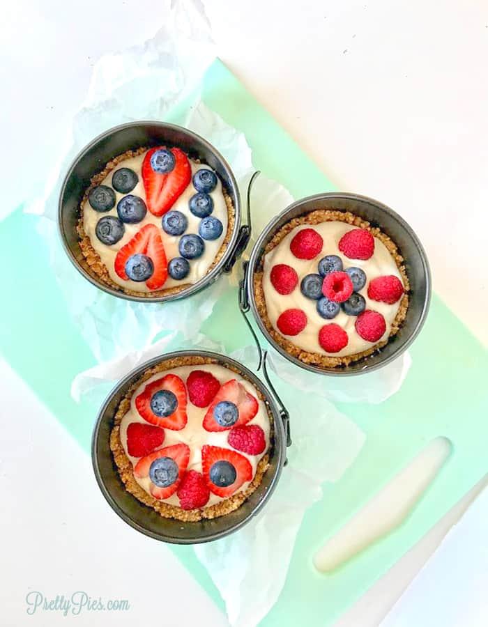 No-Bake Keto Fruit Pizza (Dairy-Free, Paleo, Vegan) PrettyPies.com