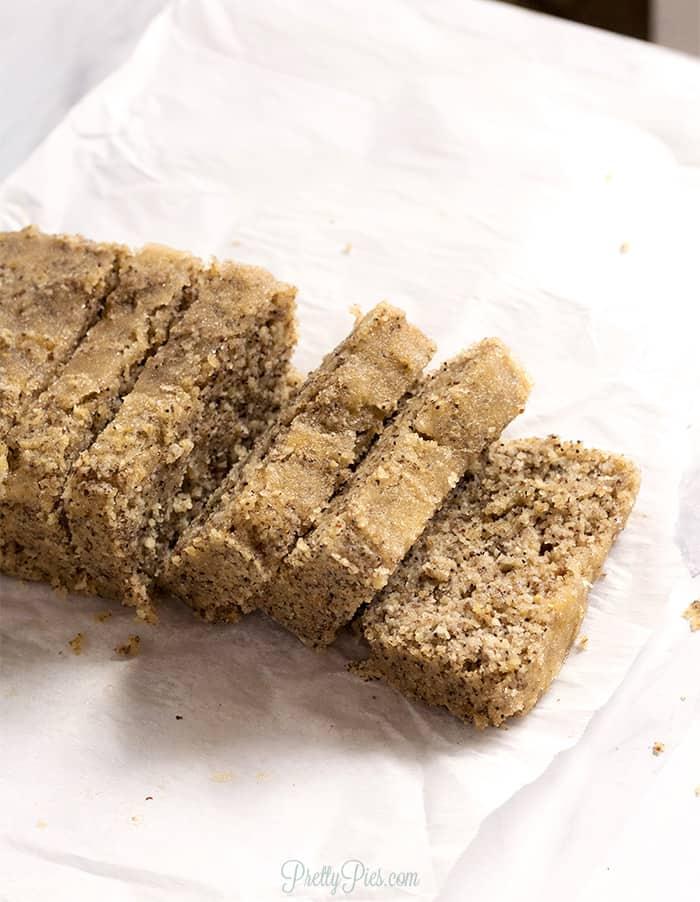 Low-Carb Poppyseed Bread - Paleo, Vegan, PrettyPies.com