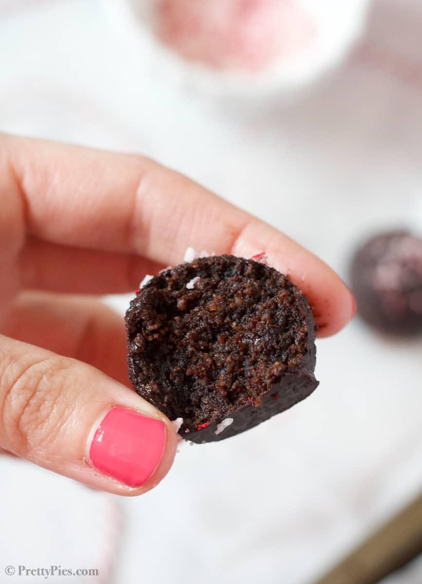 Peppermint Brownie Balls (Keto, Paleo, Vegan)