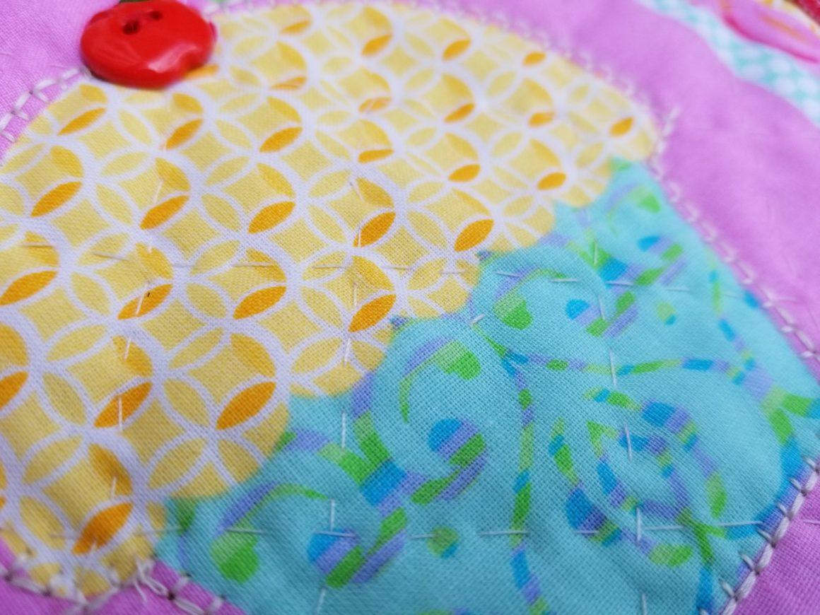 detail of cupcake mug rug