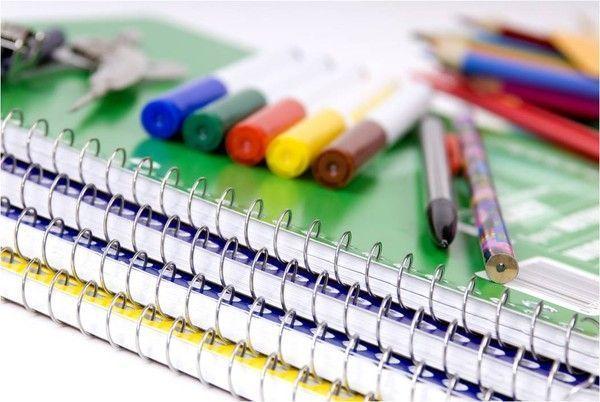 rentrée des classes - image - clipart cahier - crayons