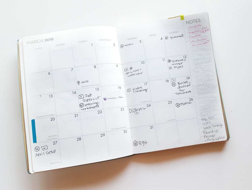 This monthly is my editorial calendar for blog posts - see how I use it on the blog! // www.prettyprintsandpaper.com