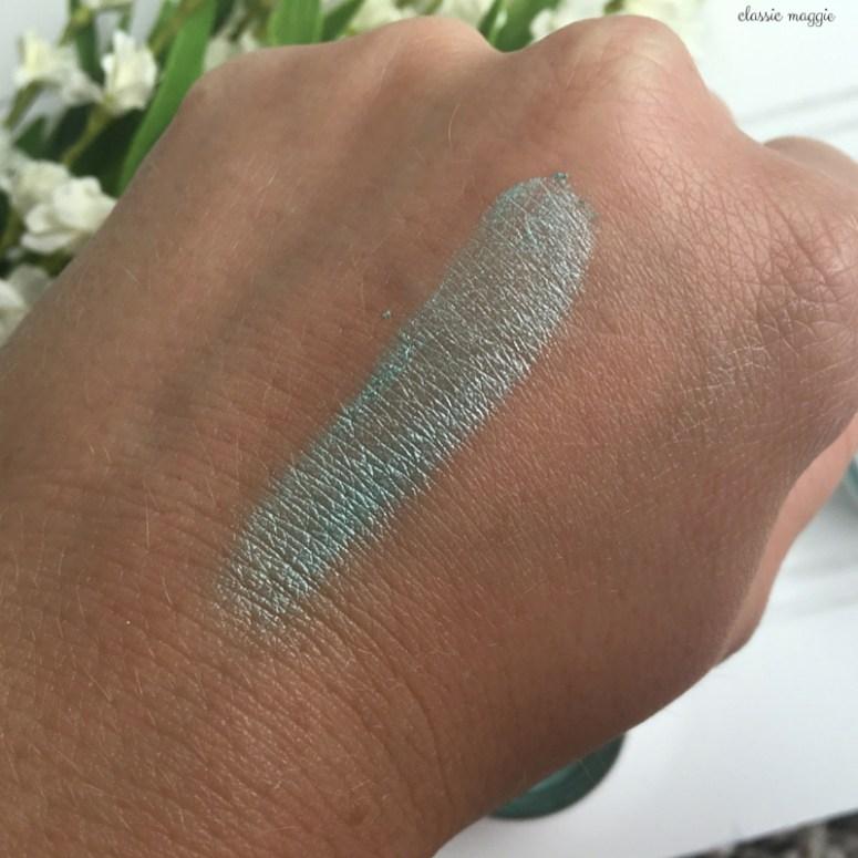 Swatch of Mirabella Refreshmint Eyeshadow Pigment
