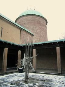 The inner yard of the crematorium