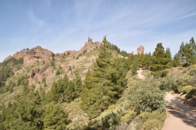 the hike to Roque Nublo