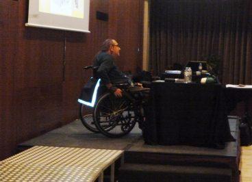 Josep Roca realizando una parte del taller de concienciación y sensibilización para DSM, empresa comprometida con la seguridad de sus trabajadores.