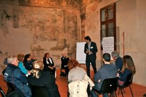 Il gruppo di discussione guidato dall'Arch. Giovanni Ginocchini, direttore Urban Center Comune di Bologna.