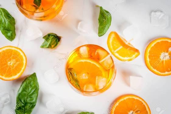 Bebida Refrescante De Verano, Limonada, Cóctel Con Naranja Y ...