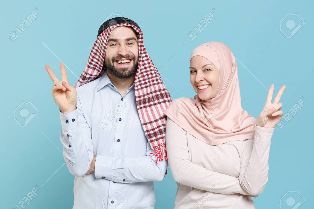 Fully covered hijab profile pictures for whatsapp and fb in white color. Smiling Young Couple Friends Arabian Muslim Man Woman In Keffiyeh Kafiya Ring Igal Agal Hijab Clothes Isolated On Blue Background In Studio Stock Photo Picture And Royalty Free Image Image 152996438