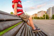 Risultati immagini per ragazzino calzoni corti