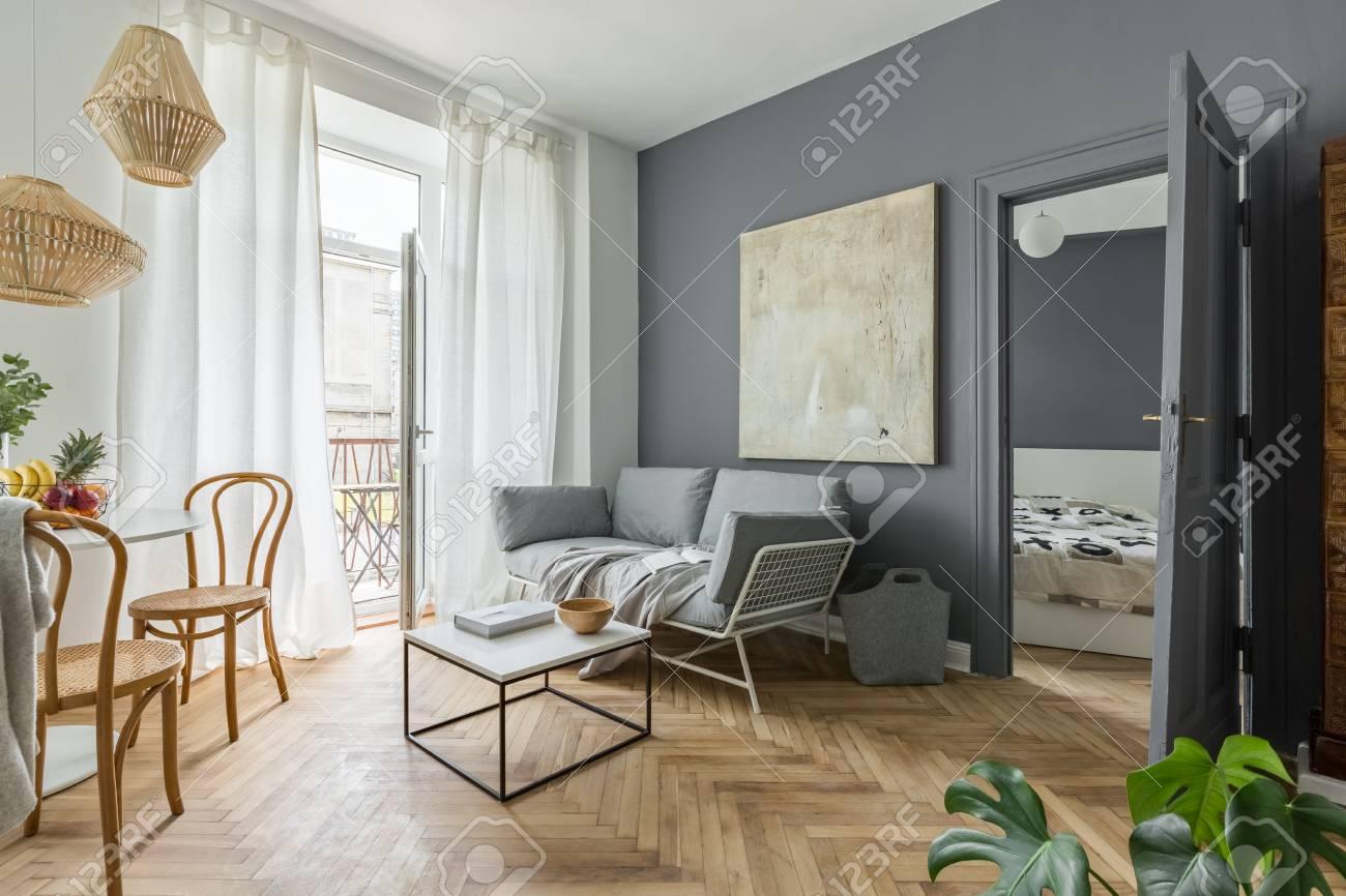 salon salle a manger et chambre dans un appartement de style scandinave banque d images et photos libres de droits image 91746597