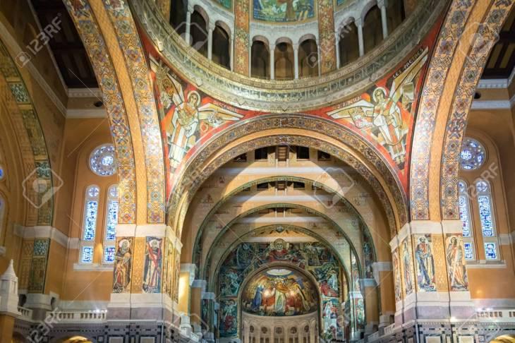 La Basílica De Santa Teresita De Lisieux Es Una Iglesia Católica ...