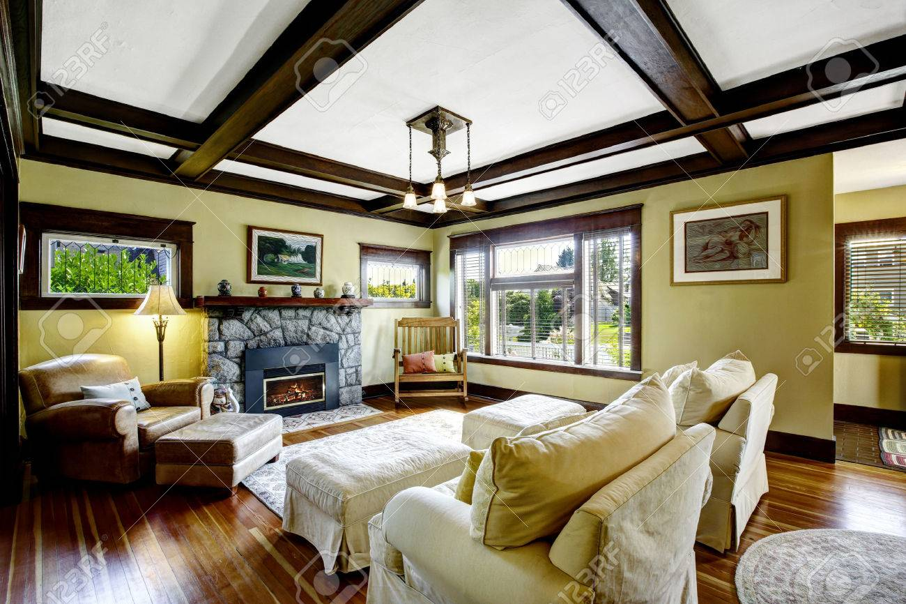 Living Room Design Idea Coffered Ceiling Blend With Stone Trim